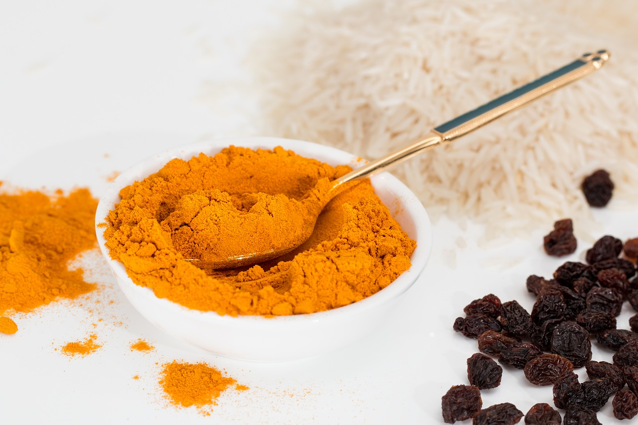 Turmeric for healthy teeth and gums